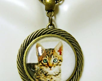 Tiger kitty portrait pendant in bronze with chain - CAP05-024
