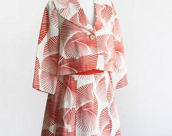 Beautiful DIANE von FURSTENBERG jacket and skirt red and white.