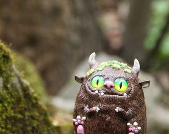 MADE TO ORDER Forest Monster figurine, Ooak Fantasy Beast Sculpture, Moss Monster Toy, Curiosity Cabinet, Magic Creature