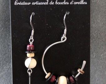 Asymmetrical earrings in surgical steel wood beads