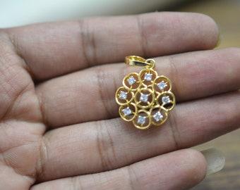 Beautiful charm natural diamond locket