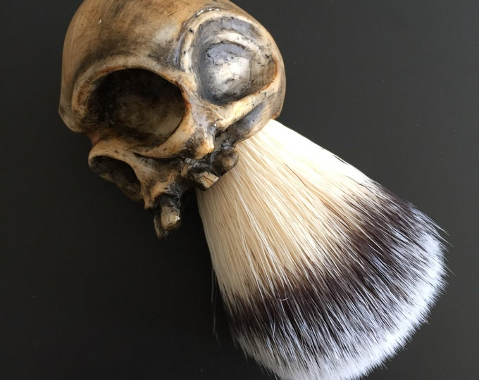 Bonehead Shaving Brush (pale)