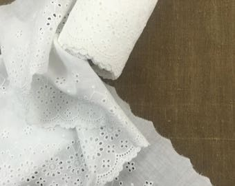 Cotton Broderie Anglazie Lace off White UK seller