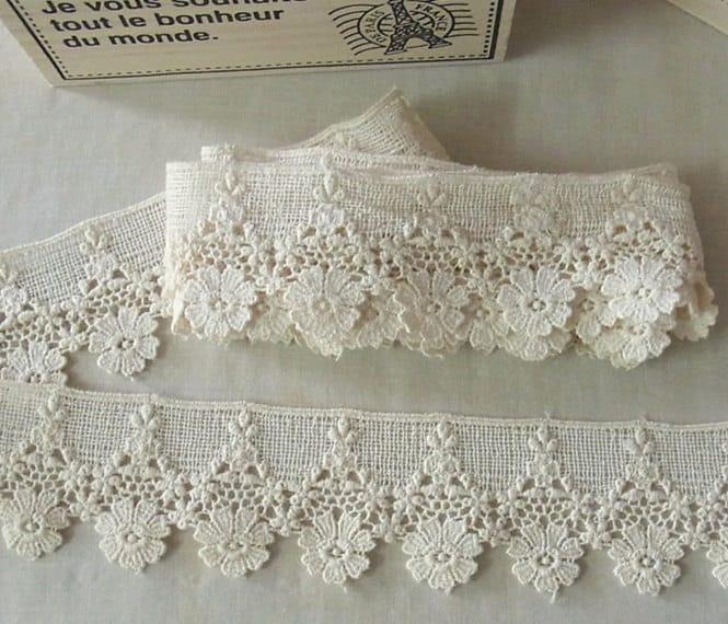 1 Yard Vintage Style Cotton Crochet Lace Trim Lovely Flower 331