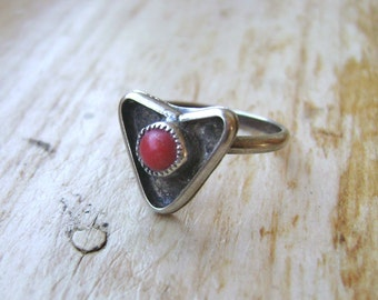 vintage southwest sterling and coral heart ring, size 4.5