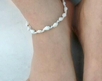 White Shell Anklet, Bridal Anklet, Shell Anklet, Ankle Bracelet, Ankle Chain, Summer Anklet, Bridal, Beach Anklet , Adjustable Anklet