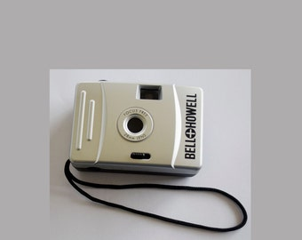 Vintage BELL & HOWELL Focus Free 35MM PROMOTIONAL Camera has 28MM Lens and Case Included