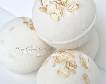 Oatmeal bath bombs, Oatmeal Milk and Honey, Bath Fizzies, Bath Bombs, Bath and Beauty, Spa Gifts, Gift For Her, Bridal Shower Gifts, Mom Gif