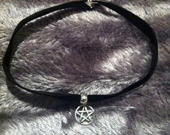 Pentagram velvet choker