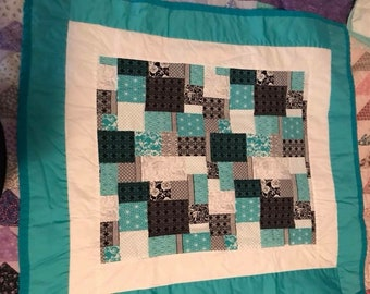 Teal baby girl quilt