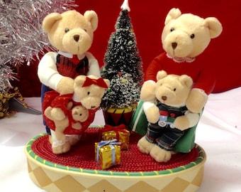 BEARY  MERRY CHRISTMAS,Avon lighted singing Teddy bears, Vintage Motionetee