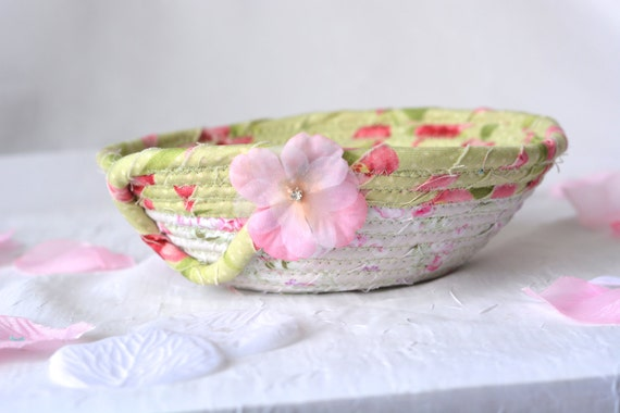 Party Favor Gift, Shabby Chic Bowl, Handmade Artisan Quilted Basket, Key Holder bowl, Paperclip Holder, Coiled Basket