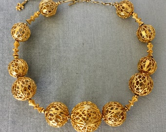 Etruscan Revival VENDOME Signed FILIGREE BALL Graduated Melon Bead Gold Metal Collar Choker Necklace Vintage Rare Designer Runway Couture