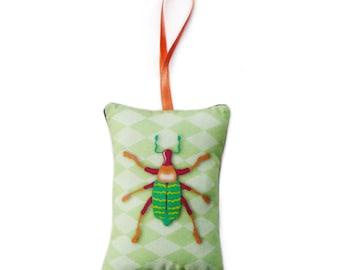 "Mini pillow to hang ""Scarab"" and green diamonds"
