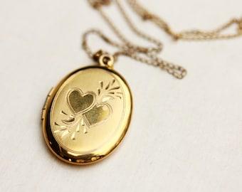 Locket Necklace Oval, Gold Locket, Oval Locket, Engraved Locket, Gold Filled Locket, Heart Locket, Locket, Oval Shape Locket