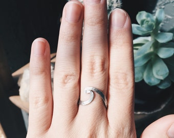 Ola Eterna - Sterling Silver Wave Stacking Ring