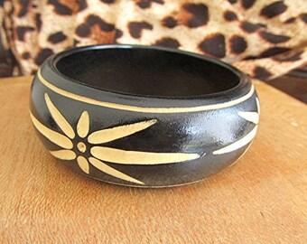 Wooden bangle carved wooden bangle tribal bangle boho bangle hippie bangle vintage 80s wood bangle retro gift.