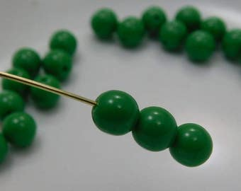 6mm Czech Druk Beads Round Opaque Green (20pk) si-6DK-OGreen
