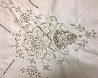 Vintage Tablecloth - Rectangle - Cream Hand Embroidered Cotton