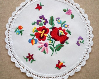 """Hungarian embroidered 10"""" Kalocsa doily, table linen coaster. Traditional floral motif."""