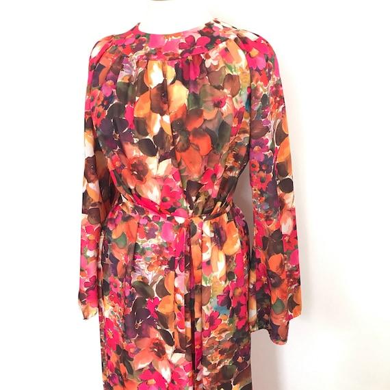 1970s dress, pink maxi dress long muu muu, flared sleeves, vintage dress, bold, flower power, psychedelic, A line, UK 18, plus size, volup