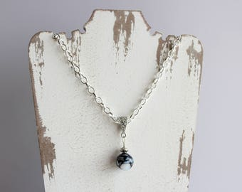 """15"""" silver choker with glass bead pendant and toggle clasp closure"""