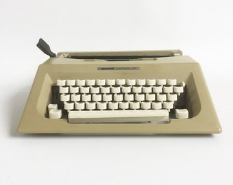 Sleek & Stylish 1970s-80s Olivetti Lettera 25 Portable Manual Typewriter with Carrying Case