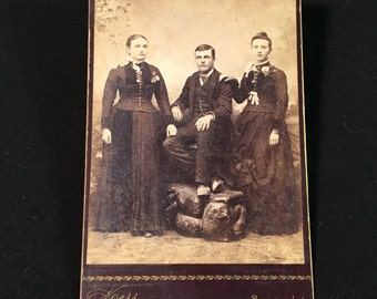 Cabinet Card of Young Ladies and a Gent, 19th Century Antique Photo, Group Cabinet Card