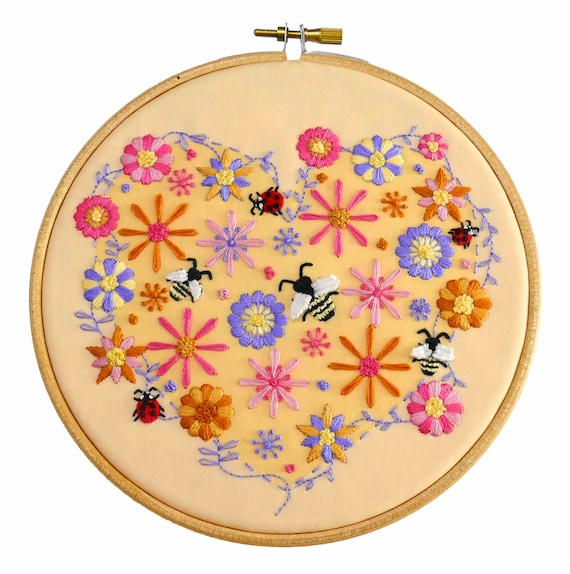 Diy Embroidery Pattern Bees Flowers Embroidery Designs Bee