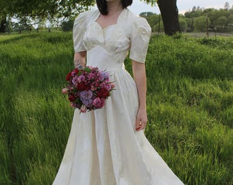 HONEY 1940's Wedding Dress Bridal Attire Vintage Gown Candlelight Satin Classic