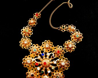 Late 1950s Byzantine - inspired floral links and multicolor rhinestones Necklace in toned gold finish - Very glamorous - art.08/4 -