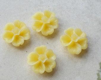 13 mm Yellow  Morning Glory Resin Flower (.ss)