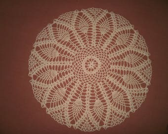 N63 DOILY crocheted in cotton