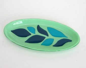 Leaves on Leaf Serving Dish Plate Platter Dish Table Art Artglass D-0075