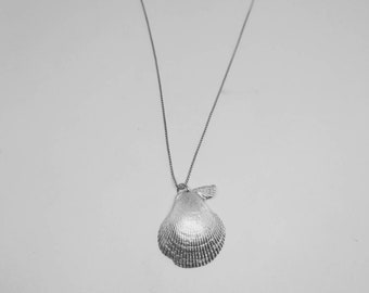 Vaiana shell necklace,shell necklace, silver shell necklace, silver seashell necklace, clam seashell