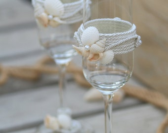 Beach Wedding Toasting Glasses, Seashells Toasting Flutes, Champagne Glasses Set, Sea Wedding Glasses, Bride and Groom Toasting Glasses