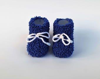 Handmade newborn baby booties Blue