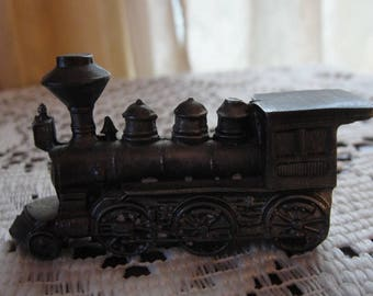 Train Lot 2 pcs !! Start your own Railroad !! Choo Choo !!!   Shipping Only 10 dollars to Canada and United States !!
