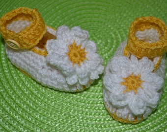 Flower maryjane style booties