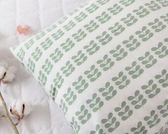 Scandinavian Style Leaves Pattern Cotton Fabric by Yard(Green)