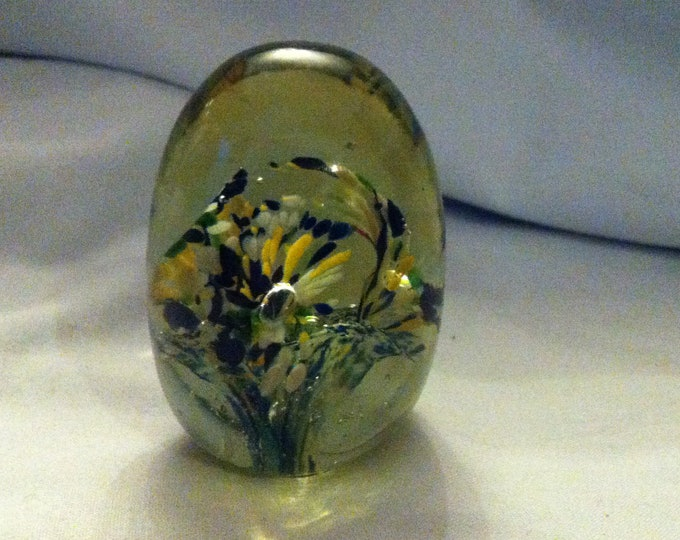 Vintage Egg Glass Object Ornament Object Office table Paperweight
