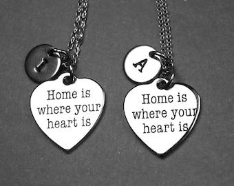 La maison est où votre cœur est collier, Collier coeur, bijoux coeur, collier personnalisé, collier initiale, le collier fin, charme initial