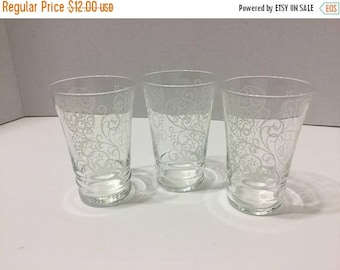 Sale Vintage Juice Glasses Set of 3 Scroll Design Filagree Pattern Glasses Juice Glass