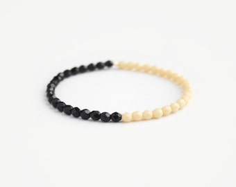 Color Blocked Beaded Bracelet - Black & Cream - Nuvella
