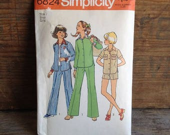 1974 Vintage Simplicity Pattern. Pattern #6824. Uncut Pattern. Girls' Size 7. Girls' and Chubbies' Shirt and Pants or Shorts. Vintage Sewing
