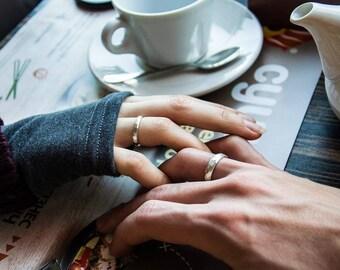 Hammered engagement ring Beauty gift Genuine faceted ring Black wedding rings Faceted wedding band Blue topaz Darkened silver Statement ring