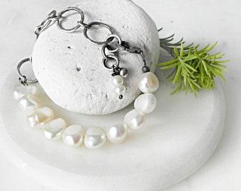 Pearl Bracelet in Oxidized Silver, Freshwater Pearls Bracelet Sterling, Handcrafted Pearl Bracelet, Artisan Jewelry Pearls Oxidised Silver