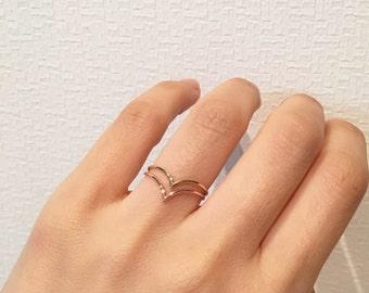 14K solid gold V ring, 14K Chevron Ring, everyday ring, 14K minimalist Ring, 14K knuckle Ring, 14K midi ring, stackable ring, 14k geometric