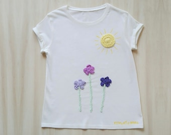 Sun t-shirt, flowers t-shirt, t-shirt with sun, t-shirt with flowers, romantic t shirt, girl t shirt, crocheted appliques, 8 years old girl