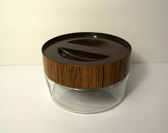 Pyrex See & Store Large Glass Canister with Faux Wood Grain Lid 1970's Food Storage Danish Modern Clean
